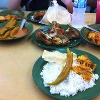 Photo taken at Restoran Nasi Kandar Deen by Nur Diyanah M. on 5/20/2012