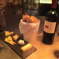 4/5/2012 tarihinde Jozsef P.ziyaretçi tarafından innio restaurant and bar'de çekilen fotoğraf