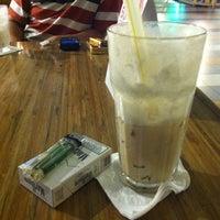 Photo taken at Dante Coffee by W | E | N | L | Y ™ on 7/24/2012