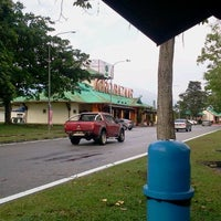Photo taken at R&R Ulu Bernam South (RSA) by Tiee S. on 8/19/2012