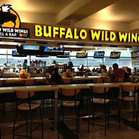Photo taken at Buffalo Wild Wings by Vladimir S. on 9/7/2012