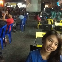 7/4/2012 tarihinde Daniel P.ziyaretçi tarafından Ali's Bistro (Nasi Kandar Pulau Pinang)'de çekilen fotoğraf