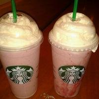 8/14/2012 tarihinde Fabiana C.ziyaretçi tarafından Starbucks'de çekilen fotoğraf