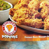 Photo taken at Popeyes Louisiana Kitchen by Dennis R. on 4/25/2012