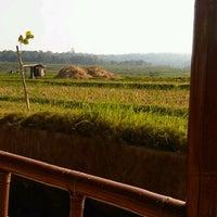 Photo taken at Restoran Lembah Ciremai by Diah R. on 8/23/2012