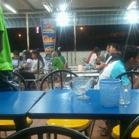 Photo taken at Restoran Khaleel by Erinque S. on 5/23/2012