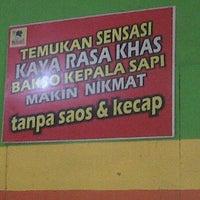 Photo taken at Bakso Kepala Sapi - Bekasi by Herry D. on 5/13/2012