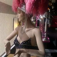 Photo taken at Retro Vegas by Kjersti g. on 7/30/2012