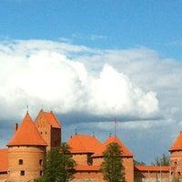 Снимок сделан в Тракайский замок пользователем Sveta Y. 5/13/2012