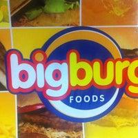 Photo taken at Big Burg by Thiago M. on 5/28/2012