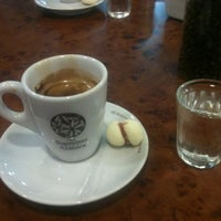 Photo taken at Café do Loft by Mark L. on 9/10/2012