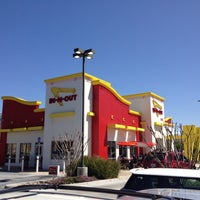 Photo taken at In-N-Out Burger by Jeffrey S. on 4/4/2012