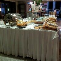 Foto tirada no(a) Matsubara Hotel por Camila K. em 6/18/2012
