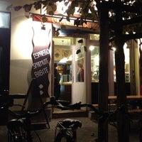 9/6/2012 tarihinde Mo - Marco R.ziyaretçi tarafından Pizza Nostra'de çekilen fotoğraf