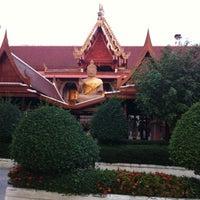 Photo taken at วัดศีรษะทอง (วัดพระราหู) Wat Sisa Thong by Nongdo J. on 3/4/2012