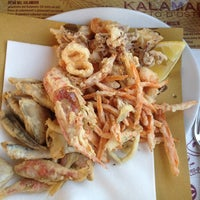 Photo taken at Kalamaro Fritto d'Osteria by Polya on 8/18/2012