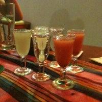 Foto tirada no(a) Los Cabrones Mexicano por Renato P. em 5/13/2012