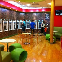 Photo taken at Green Apple Self Serve Frozen Yogurt by Ana A. on 5/12/2012
