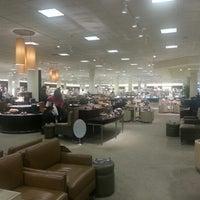 Foto diambil di Nordstrom Tacoma Mall oleh Aeja pada 7/2/2012