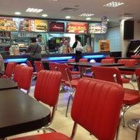 6/3/2012 tarihinde Fettah Olcay T.ziyaretçi tarafından Burger King'de çekilen fotoğraf