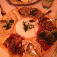 Foto tirada no(a) Restaurante Arab por Beatriz em 7/18/2012