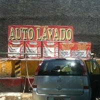 Photo taken at Auto Lavado Odin Carr by Carlita S. on 4/25/2012