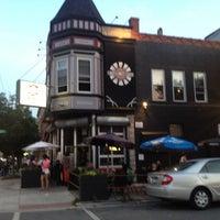 Foto diambil di Lockdown Bar & Grill oleh Conrad K. pada 7/1/2012