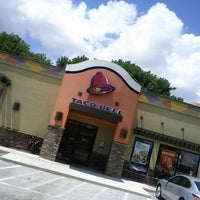 Photo taken at Taco Bell by Vincent C. on 8/29/2012