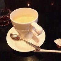 Photo taken at まるでだめなおとなの Cafe&Bar (まだおカフェ) by Hirokazu Y. on 5/11/2012