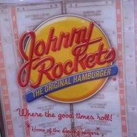 Photo taken at Johnny Rockets by Arni D. on 3/8/2012