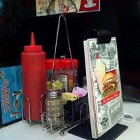 Photo taken at Steak 'n Shake by Jordan G. on 6/17/2012