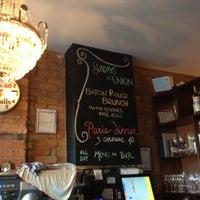 Foto tirada no(a) Union Restaurant por Cheryll D. em 6/22/2012