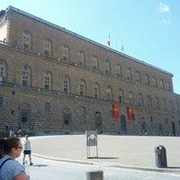 Foto scattata a Piazza dei Pitti da Fabio il 7/30/2012