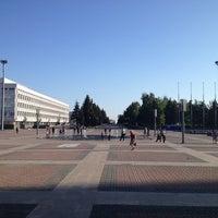 Снимок сделан в Площадь Ленина пользователем Kirill I. 5/16/2012