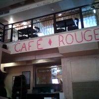 Photo prise au Café Rouge par Sara G. le6/20/2012