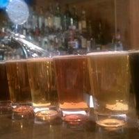 Foto tomada en Max Lager's Wood-Fired Grill & Brewery por Evita L. el 4/16/2012