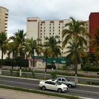 Foto tomada en Sheraton Buganvilias Resort & Convention Center por Oliver p. el 8/27/2012