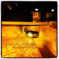 2/7/2012 tarihinde Genevieve B.ziyaretçi tarafından Weegee's Lounge'de çekilen fotoğraf