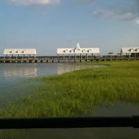 5/30/2012 tarihinde Teresa H.ziyaretçi tarafından Fleet Landing'de çekilen fotoğraf