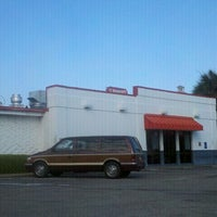 Photo taken at Shoney's by 2 D. on 5/23/2012