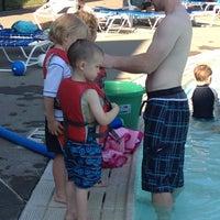 Foto tomada en Sellwood Pool por Erin L. el 7/6/2012