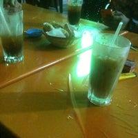 Photo taken at Salahudin Ayubi Seafood by Syed s. on 8/7/2012