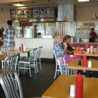 Photo taken at Jake's Wayback Burgers by Eric L. on 8/24/2012