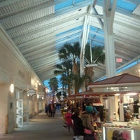 Photo taken at Orlando Vineland Premium Outlets by Jose A. on 2/12/2012