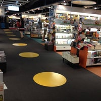 Photo taken at Fnac by Gustavo A. on 6/21/2012