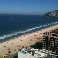 Das Foto wurde bei Everest Rio Hotel von Sabrina S. am 5/26/2012 aufgenommen
