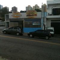 Photo taken at Blue Burger Pratos Rápidos by Nogueira V. on 4/11/2012