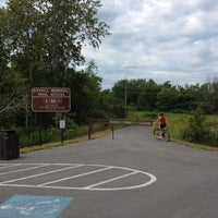 Photo taken at Rayhill Memorial Trail Access by Burbs on 7/22/2012