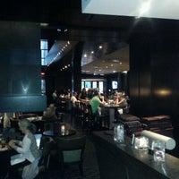 Foto tirada no(a) The Keg Steakhouse & Bar por Ronald G. em 5/13/2012