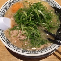 Photo taken at 丸源ラーメン御殿場店 by TOMOTAKA S. on 5/19/2012